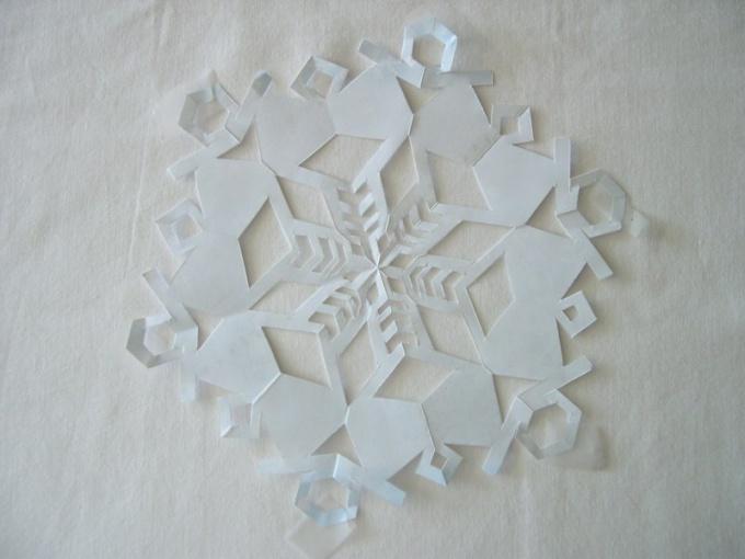 Как сделать игрушку на елку из бумаги