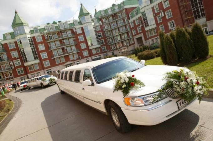 Где взять автомобили на свадьбу