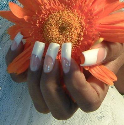 Что нужно для акрилового наращивания ногтей