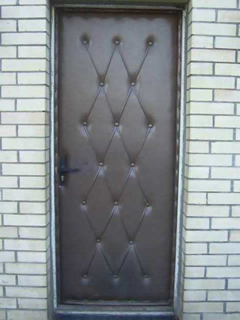 Как обивать входную дверь