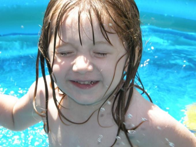 Как обучиться плавать ребенку