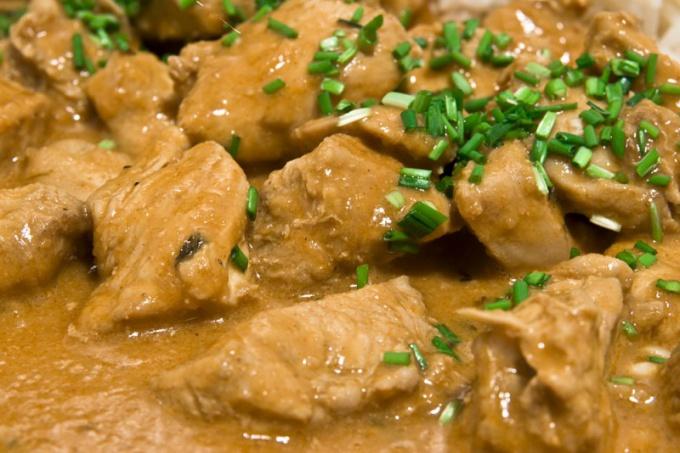 Как приготовить тушенное мясо