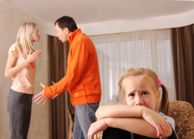 Как защитить ребенка при разводе