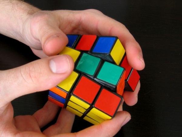 Как собрать одну грань у кубика рубика