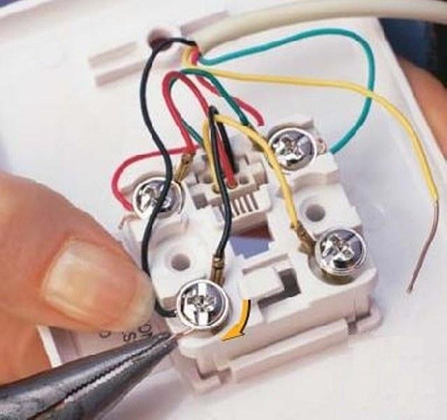 Как подсоединить провод к телефонной розетке