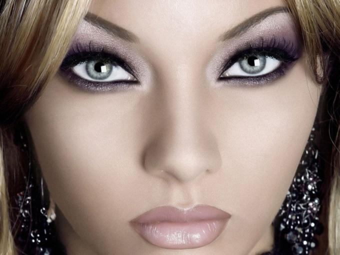 Как сделать новогодний макияж