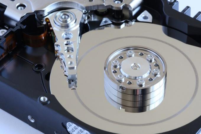 Что такое жесткий диск