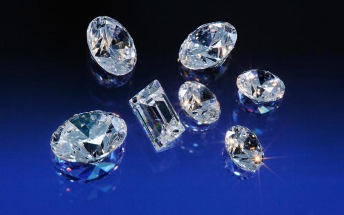 Как проверить драгоценный камень