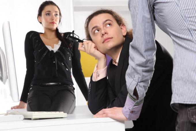 Как принять сотрудника без трудовой книжки