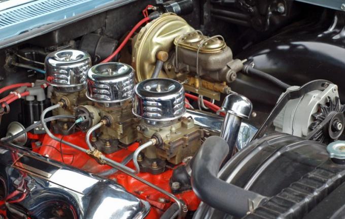 Почему двигатель расходует масло