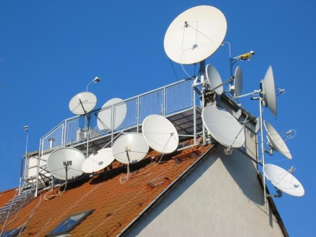 How to connect satellite TV and Internet