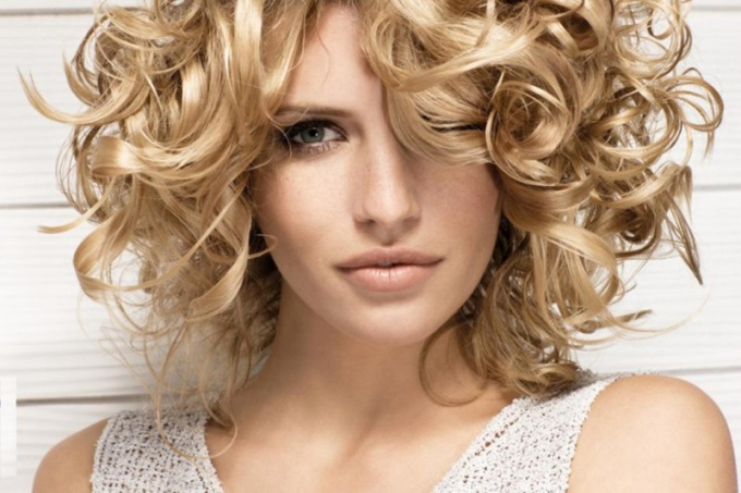 How to make curls in hair curlers