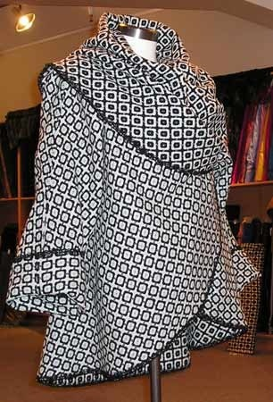 Готовое пальто-накидка на основе круга