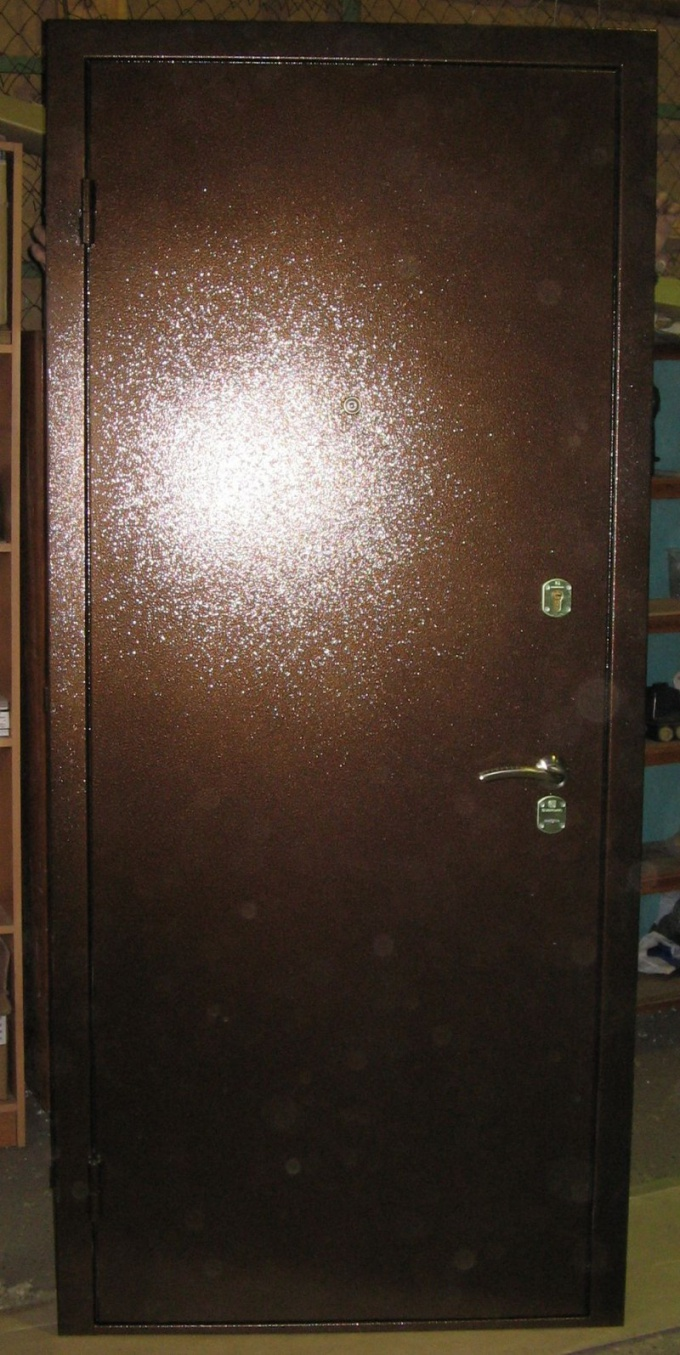 Как вставлять железные двери