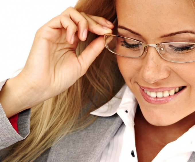 Почему люди носят очки