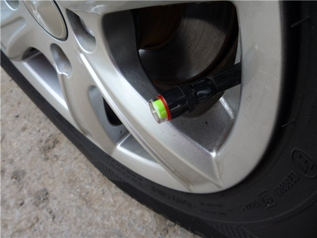 How to measure tire pressure