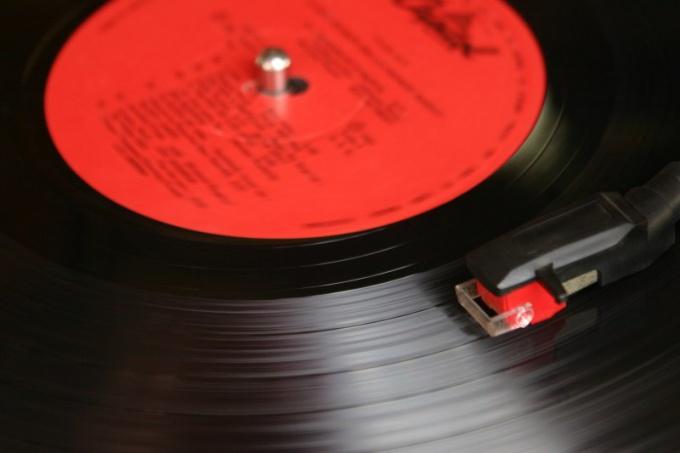 Как подобрать романтическую музыку