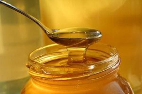 Как давать детям мед