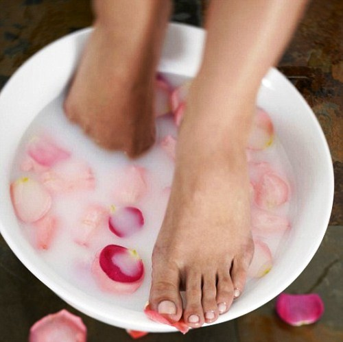 How to do foot bath