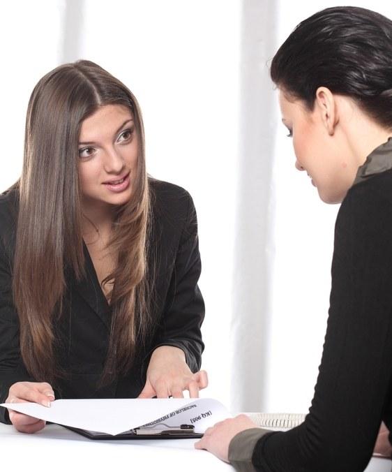 Как внести изменения в трудовую книжку с изменением фамилии