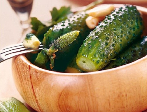 How to cook salted cucumbers