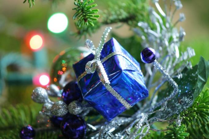 Как сделать новогоднюю поделку