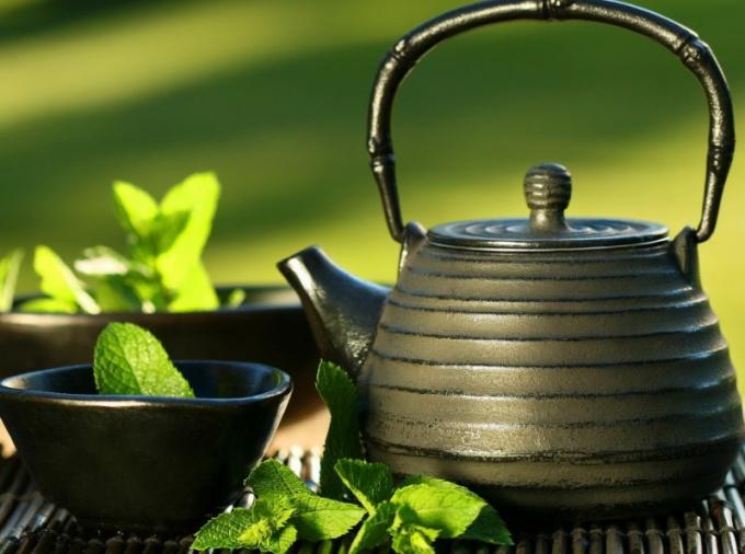 Как помыть чайник