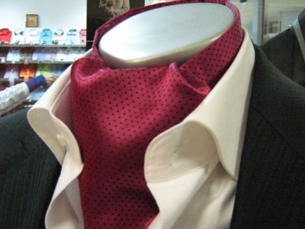 Как завязывать платок на шею для мужчин