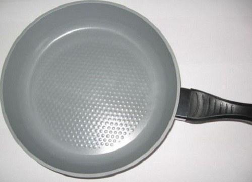 How to clean aluminum pan