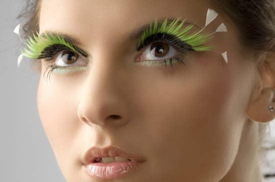 How to make false eyelashes