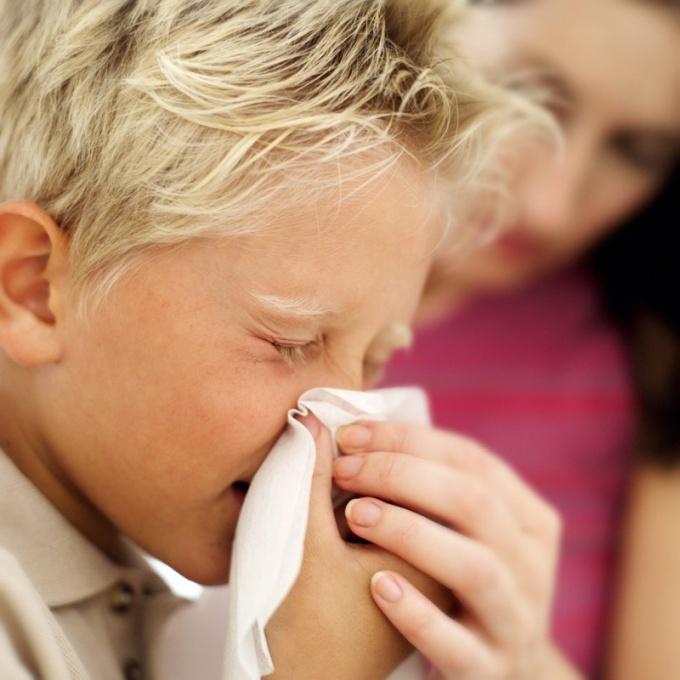 Как вылечить ринит у ребенка