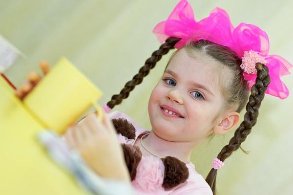 Как заплести косу девочке