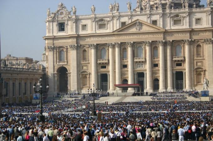 Как попасть к папе римскому