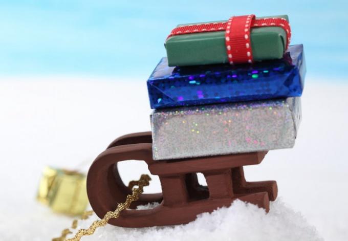 Как оформить подарки для детей
