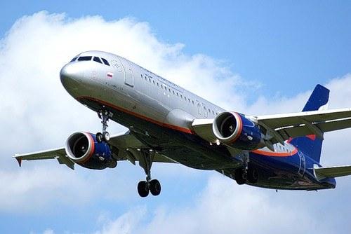 Как переносить перелет на самолете