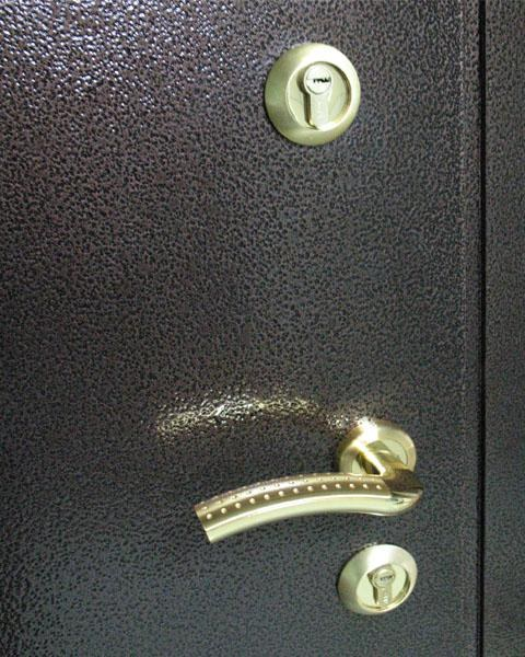 How to sheathe the iron door