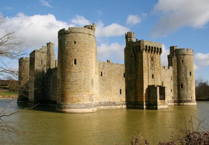 Как нарисовать средневековый замок