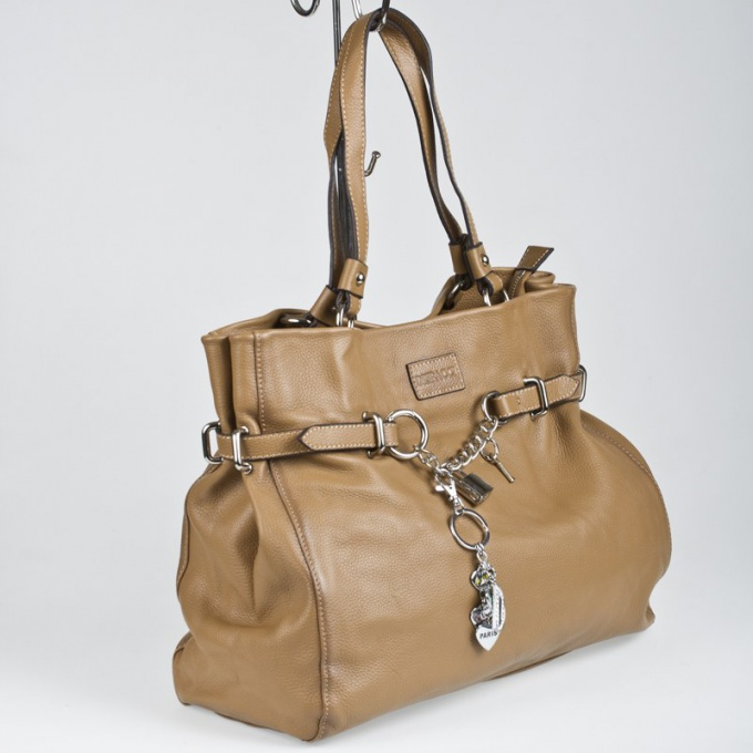 How to update leather bag