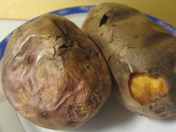 How to bake potatoes in the skin