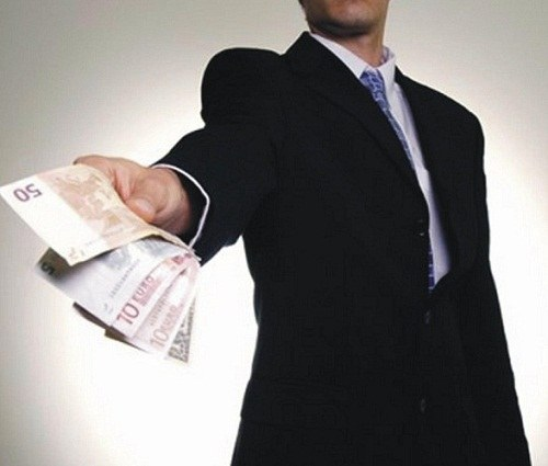 How to collect a debt from the debtor