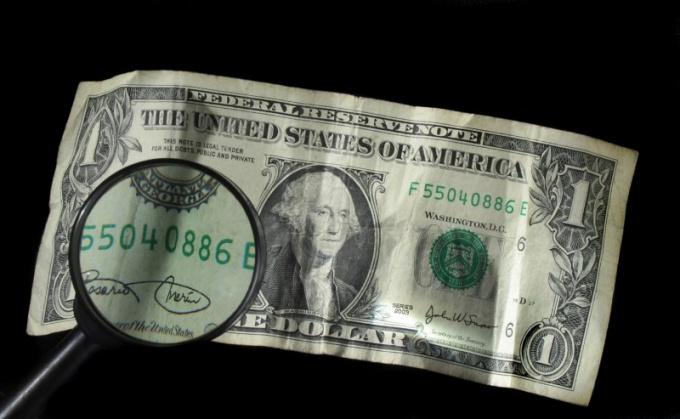 Как определить поддельные баксы