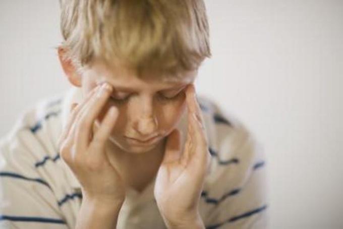 Как лечить головную боль у ребенка