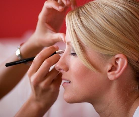 How to do makeup without mascara