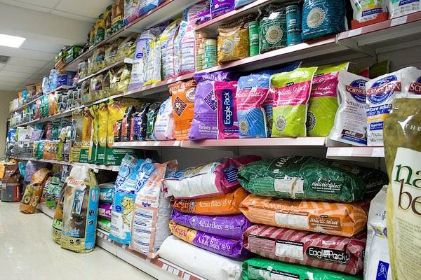 как хранить сухой корм для кошек