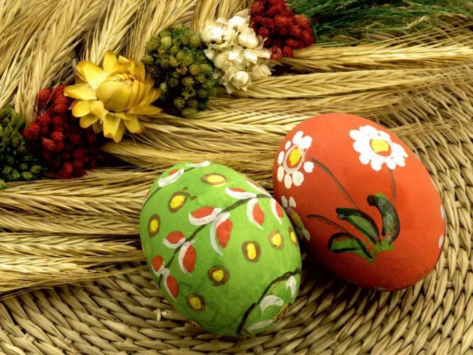 Отчего на Пасху красят яйца