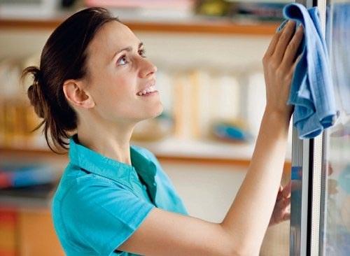 Как мыть изделия из пластмассы