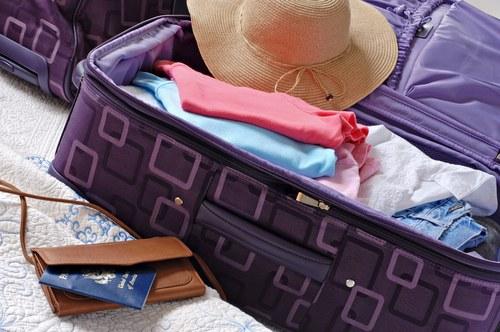 Как складывать вещи в чемодан