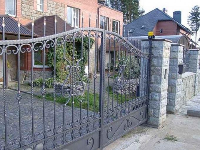 Как сделать забор с воротами