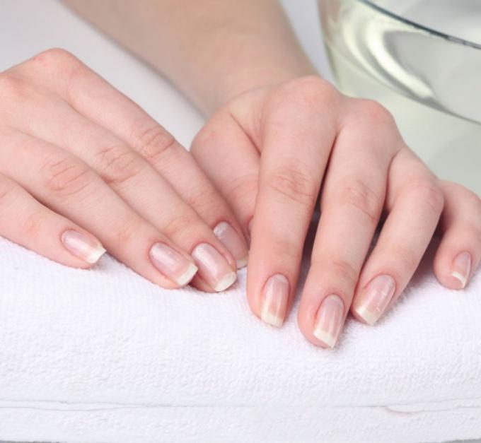 Почему лопается кожа на пальцах