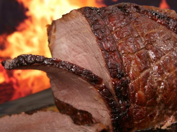 Как запечь свиную шейку в духовке